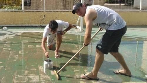 Chaleira, água, gelo e rodos: conheça a versão cearense do curling