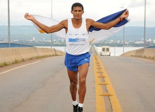 Tocantinense Eliésio Miranda chegou em segundo lugar na Maratona de Brasília