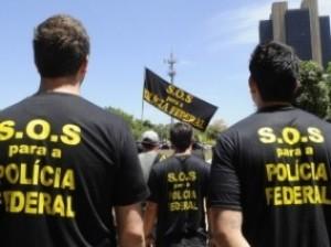 Policiais federais aprovam greve e protestam em todo o Brasil nesta sexta-feira