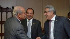 Senador Vicentinho Alves juntamente com a bancada federal pleiteia recursos junto ao Ministro dos Transportes