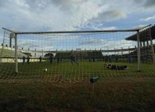 Araguaína joga mal e leva goleada em pleno Mirandão