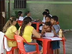 Sem posto de saúde, moradores de Araguaína são atendidos em bar