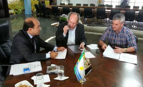 Recebido por Governador em exercício, Prefeito garante verbas para Araguaína