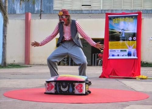 Cia de Teatro traz 'A Mala do Biruta' para Araguaína