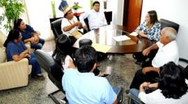 Vice-governadora recebe carta de reivindicações dos povos indígenas do Tocantins