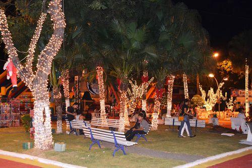 Prefeitura e Aciara iniciam decoração natalina em Araguaína