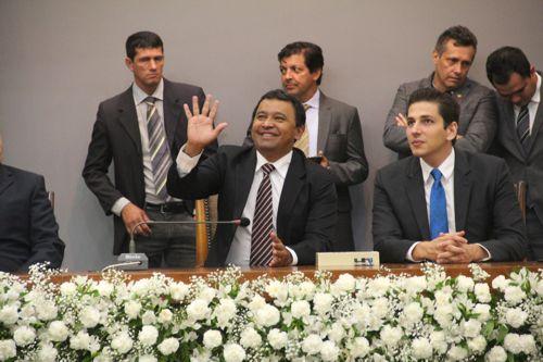 Elenil da Penha toma posse como deputado na Assembleia e é eleito 2º secretário da Casa