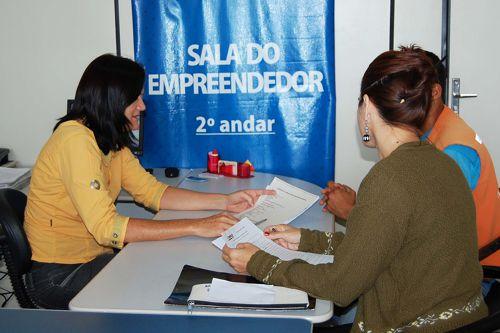Microempreendedores individuais realizam recadastramento em Araguaína