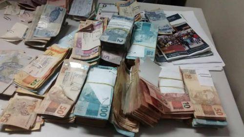 PM prende dupla acusada de roubo e recupera dinheiro em Araguaína