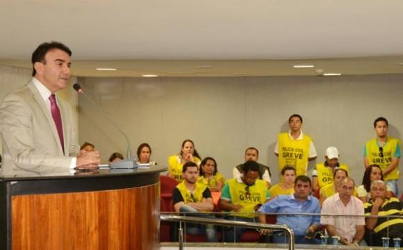 Eduardo Siqueira diz que a negociação é o caminho para fim da greve da Polícia Civil