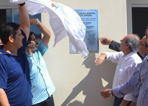 Dimas inaugura escola e creche do residencial Costa Esmeralda e reforça investimentos na área educacional de Araguaína