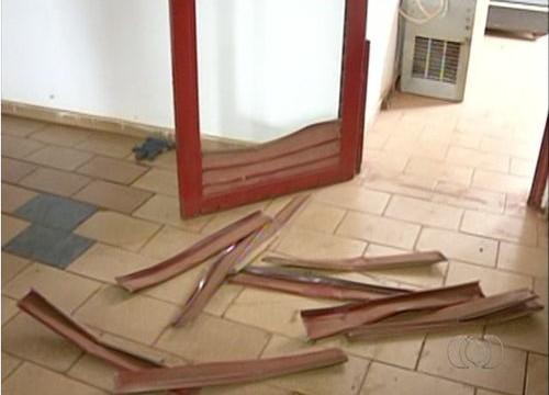Vizinho leva susto após polícia invadir a casa errada em Araguaína