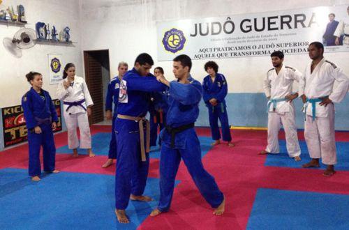 Judô Guerra/Sesi recebe bi-campeão mundial de jiu-jitsu para aprimoramento técnico em Palmas