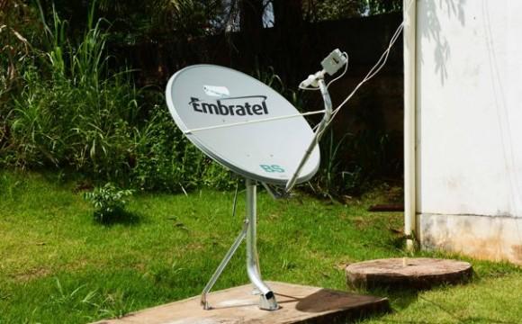 Unidades básicas recebem antenas de internet gratuita para informatização da saúde