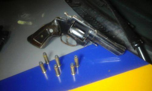 Em Araguaína, PM apreende menor com arma de fogo