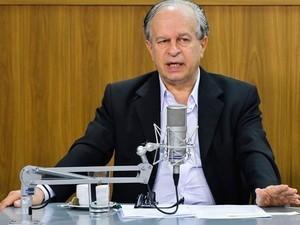 Alunos podem ficar 'tranquilos' com a renovação do Fies, diz ministro