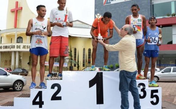 Atleta de São Miguel do Tocantins vence Corrida do Trabalhador pela 3ª vez