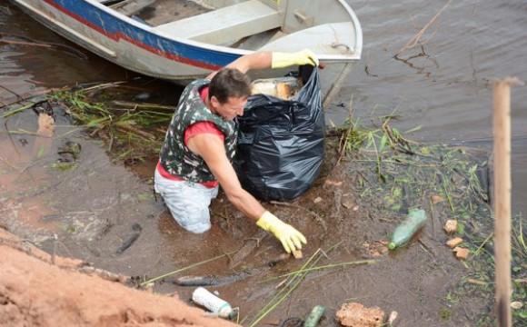 Parceiros promovem 2º 'Dia D' de Limpeza do Lago Azul