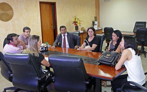 Governo do estado renova parceria com APAE de Araguaína após intervenção de Elenil