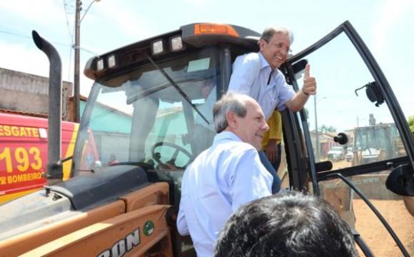 Governador autoriza construção do Case e obras de pavimentação em Araguaína