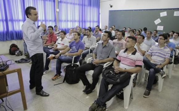 Prefeitura inicia curso de formação e capacitação de agentes de trânsito
