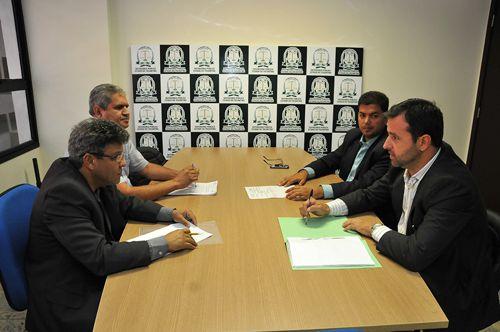 Reunião discute prestação de serviços do PlanSaúde