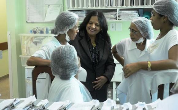 """Em visita ao HRA, Valderez reforça: """"queremos que Araguaína cresça e seja referência em saúde no Tocantins"""""""