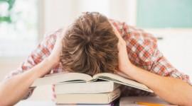 Aprenda a lidar com o sono depois do almoço apenas com 1 dica