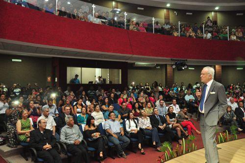 Palestra do jornalista Alexandre Garcia abre o XIX Encontro de Administradores do Tocantins