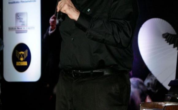 ACIARA celebra 40 anos com homenagens e a apresentação do maestro João Carlos Martins
