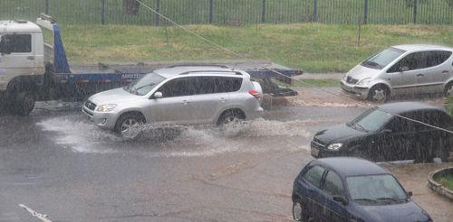 Nos dias de chuva, todo cuidado no trânsito é pouco