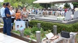 Cemitério São Lázaro recebe milhares de araguainenses no Dia de Finados