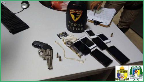 Dois suspeitos de roubo e porte ilegal de arma são presos pela PM em Araguaína