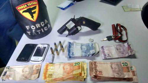 Após roubo, PM prende quatro suspeitos e apreende arma de fogo em Araguaína