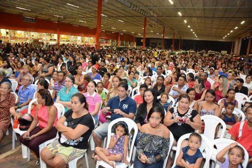 Cantata de Natal reúne mais de 2 mil pessoas em Araguaína