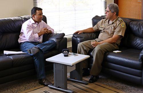 Em reunião com comandante-geral, Elenil cobra agilidade na realização do concurso da PM