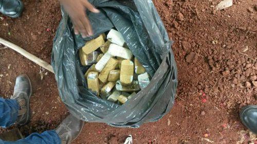 Mais de cinco quilos de maconha e objetos furtados são apreendidos pela PM em Araguaína