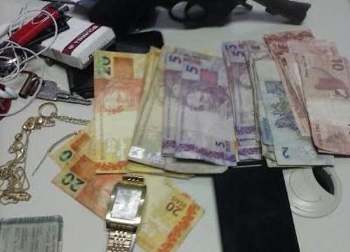 PM prende acusados de roubo e recupera objetos em Araguaína
