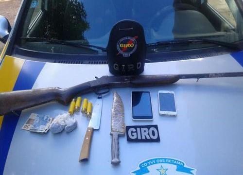 Três indivíduos são presos pela PM em Araguaína acusados de tráfico de drogas e porte ilegal de arma de fogo