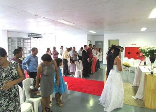 Defensor Público participa de cerimônia de casamento de reeducandos do Barra da Grota