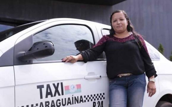 Taxista representa avanço da mulher na sociedade