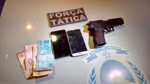 Em Araguaína, quatro pessoas são presas pela PM por posse ilegal de arma de fogo e roubo