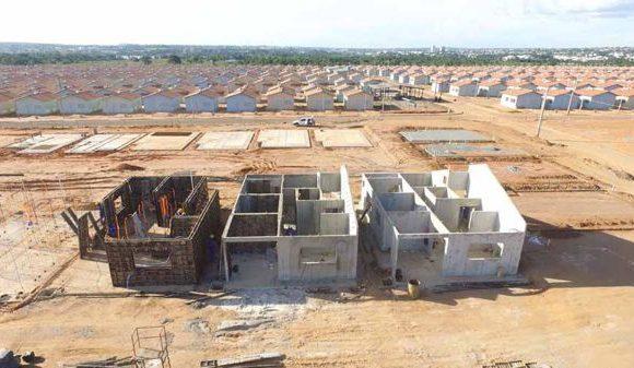 Construção de casas no ResidencialParquedoLagosegue modelo inovador