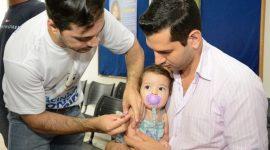 Bebês de 6 meses a menores de 1 ano devem ser vacinados contra sarampo