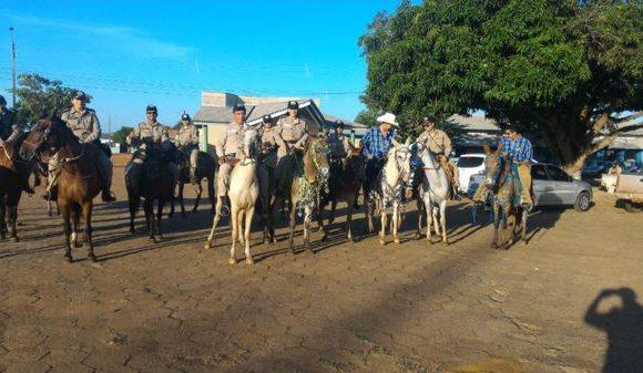 PM realiza policiamento montado na 28° cavalgada em Araguaína