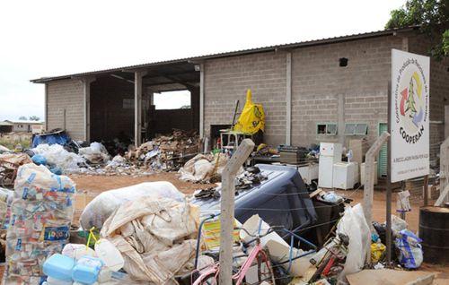 Projeto Lixo & Cidadania  realiza cadastro de trabalhadores em Araguaina