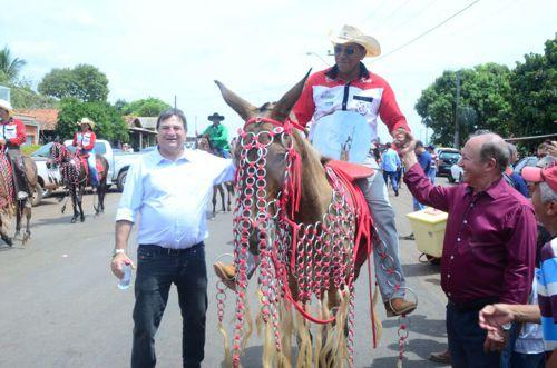 Durante cavalgada em Araguaína, deputados Lázaro e Halum mostram união de forças federais