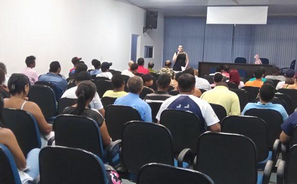 """Projeto """"Caminhar pra frente"""" realiza palestra em Araguaína"""