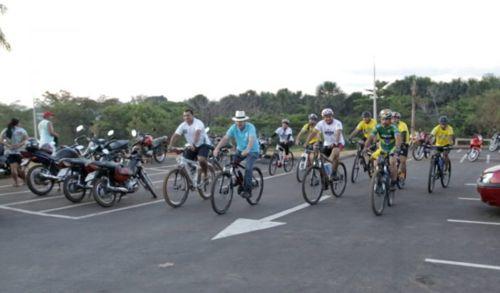 Após pedal pelas ruas de Araguaína, Dimas quer ciclovias e ciclofaixas