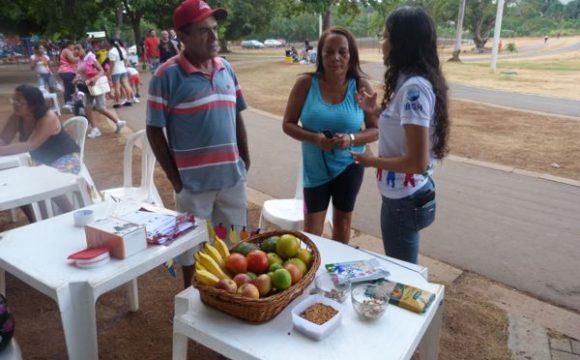 Colaboradoras do HMA levaram informações sobre o combate ao fumo e ao colesterol ruim ao Parque Cimba